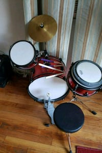 red entry level drum set Morningside, 20746