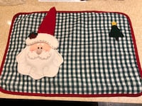 8 Santa placemats with 8 red napkins 39 km