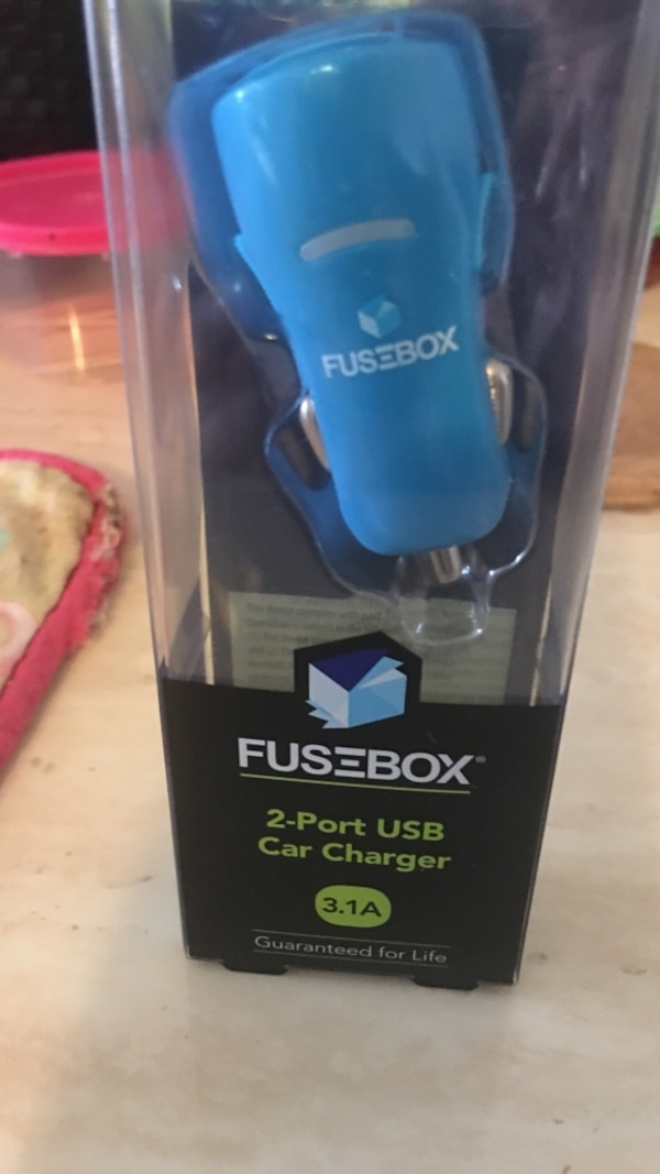 blue Fusebox 2-port USB car charger with box on