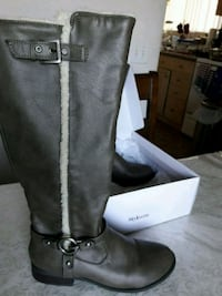 By Guess woman's boots  Irvine, 92620