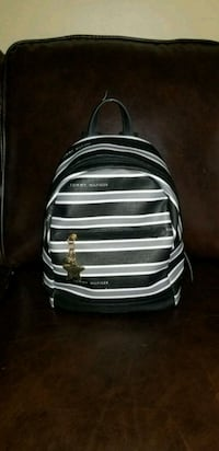 TOMMY HILFIGER PURSE  Burlington