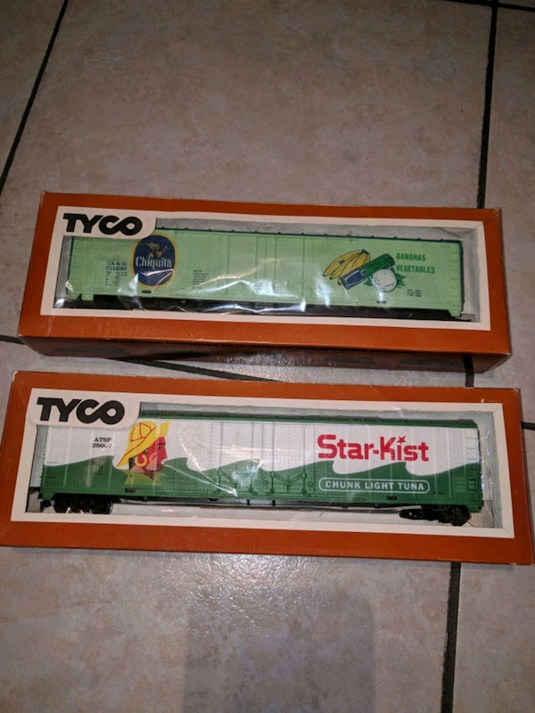 Tyco 1970's train reefer cars
