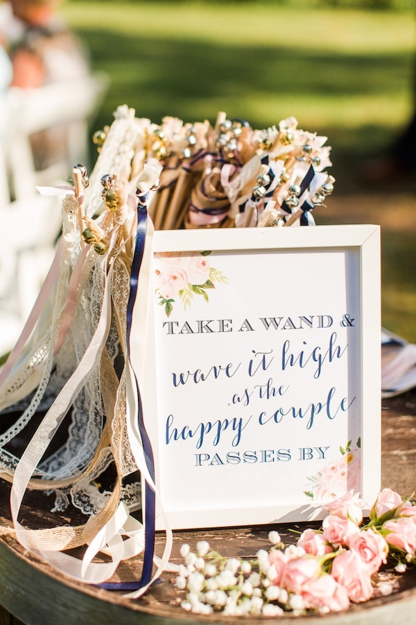 Wedding Wands & Sign  41924aea-da7b-4943-8a1c-34633076545b