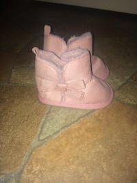 baby girl  boots SIZE:  0-3 months Appleton, 54911