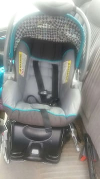 baby's teal and grey houndstooth carrier car seat Charlotte, 28227