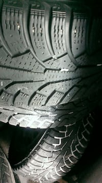 Good Winter tires+Mags (5 holes) 205/55R16