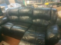 black leather 3-seat recliner sofa New Orleans, 70117