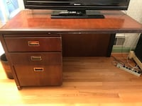 Wood desk Fairfax, 22032