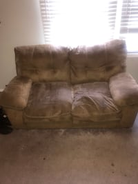 Couch must go Odenton, 21113