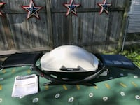 Weber Portable Liquid Propane Grill. Total cooking area = 280 Square I Milwaukee, 53218