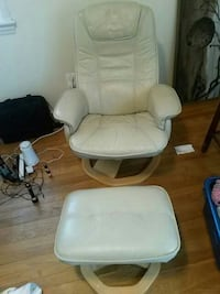 white leather padded glider chair Greenbelt, 20770