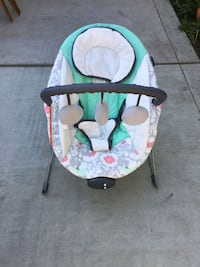 baby's white and green bouncer Merced, 95340