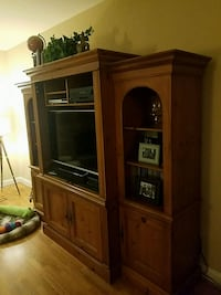Entertainment / Wall Unit Rockville