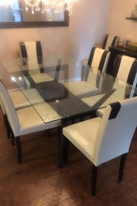 Table Reisterstown, 21136