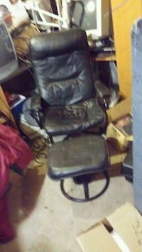 black leather padded rolling armchair Denver, 80229
