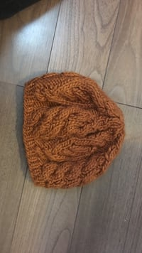 Knitted Aldo hat in brown
