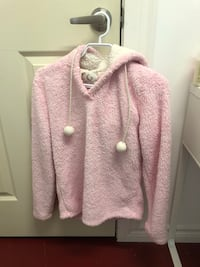 Sm-Comfy fuzzy sweater (negotiable) Fort Erie, L0S