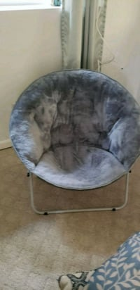 gray and white moon chair Lothian, 20711