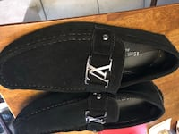 Louis Vuitton Loafers size 11