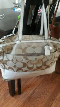 white and brown Coach monogram tote bag Manassas Park, 20111