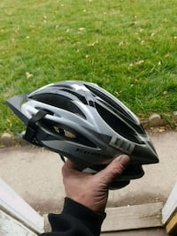 Helmet minor scratches never fell completely intac 3154 km