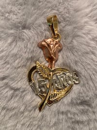 15 Anos Pendant With Rose