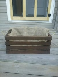 Hand crafted rough sawn crate Gansevoort, 12831