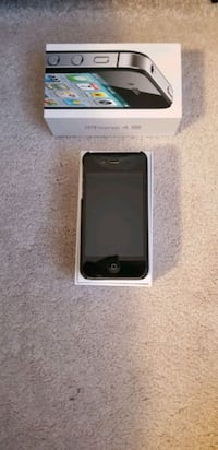 iPhone 4s 16gb 10/10 condition with box and access