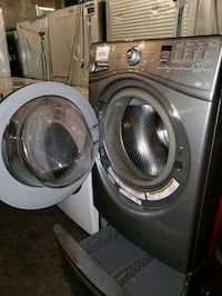 Front load washer whirlpool working perfectly  Baltimore, 21223