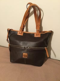 Like New Authentic Dooney & Bourke Purse  Xenia, 45385