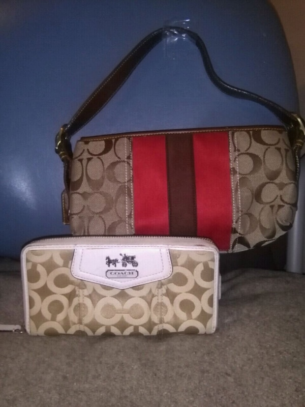 15cc7aa26a Used Authentic Coach purse and wallet for sale in Nanaimo - letgo
