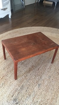Rectangular brown wooden coffee table Los Angeles, 90292