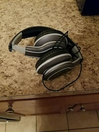 black and gray corded headphones Hagerstown, 21740