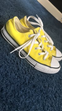 size 1 1/2  yellow converse  Washington, 20020