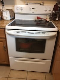 Glass top electric range,4 burners working, Germantown, 20874