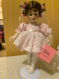 """Paradise Galleries porcelain doll 13"""" tall  Jessup, 20794"""