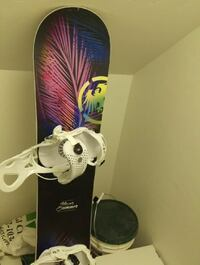 Never summer snowboard with flow bindings