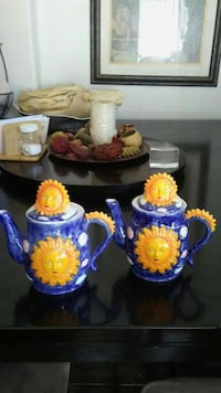 two blue-and-yellow ceramic teapots Victorville, 92395
