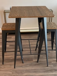 High top kitchen table and barstools - moving 8/28! Overland Park, 66224