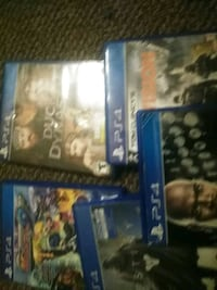 two Sony PS4 game cases four games Lexington, 40505