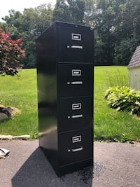 Used 4 Drawer Filing Cabinet PRICE NEGOTIABLE Chester Springs, 19425