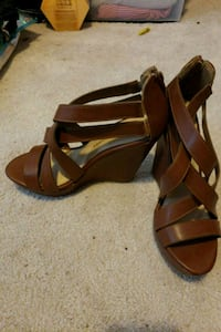 pair of brown leather open-toe heeled sandals Woodbridge, 22191