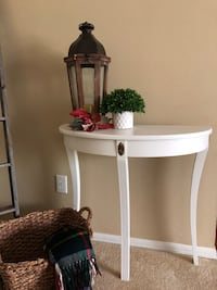 Furniture-Accent /Entry Table Corona, 92879