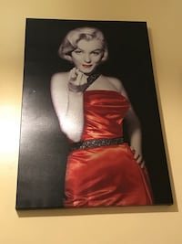 Marilyn monroe photo with black wooden frame Cleveland, 44102