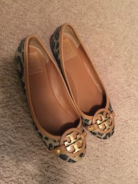 brown and gray tory burch loafers Renton, 98055