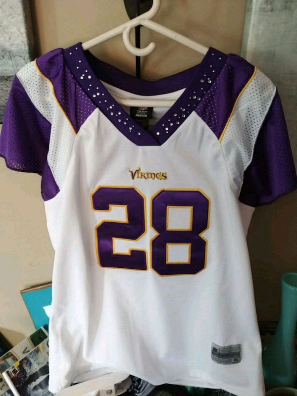wholesale dealer 1bac7 b5bf1 Vikings Jersey - womens L