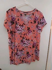 women's pink and white floral blouse 522 mi