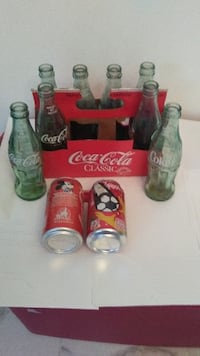 $40 1986 coca cola 8 bottles and box