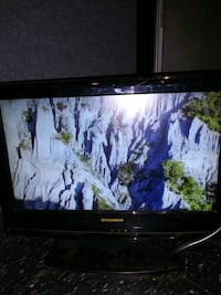 """19"""" TV with built in DVD player  Vallejo"""
