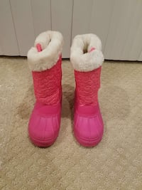 Girl's winter boots,  size 13 Newington